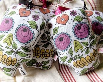 Sugar Skull Lavender bag, candyskull lavender sachet, aromatic lavender scented bag, organic dried lavender, day of the dead, home decor