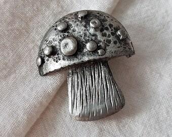 A135 Brooch Toadstool Mushroom Pewter Lapel Pin Jewelry