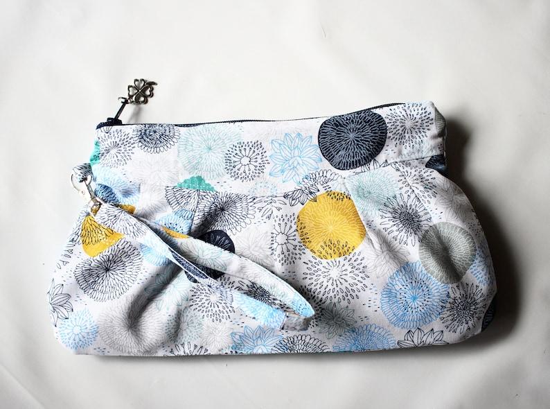 Mother's Day Wristlet Purse Bag Clutch handbag  Wristlet image 0