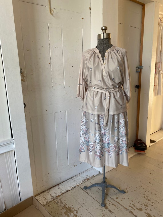 Vintage 1970s Bohemian Poly Knit Floral Rose Skirt