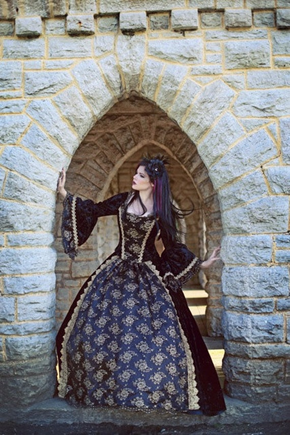 729ee1798b415 Gothic Renaissance or Medieval Fantasy Wedding Set Black Gold