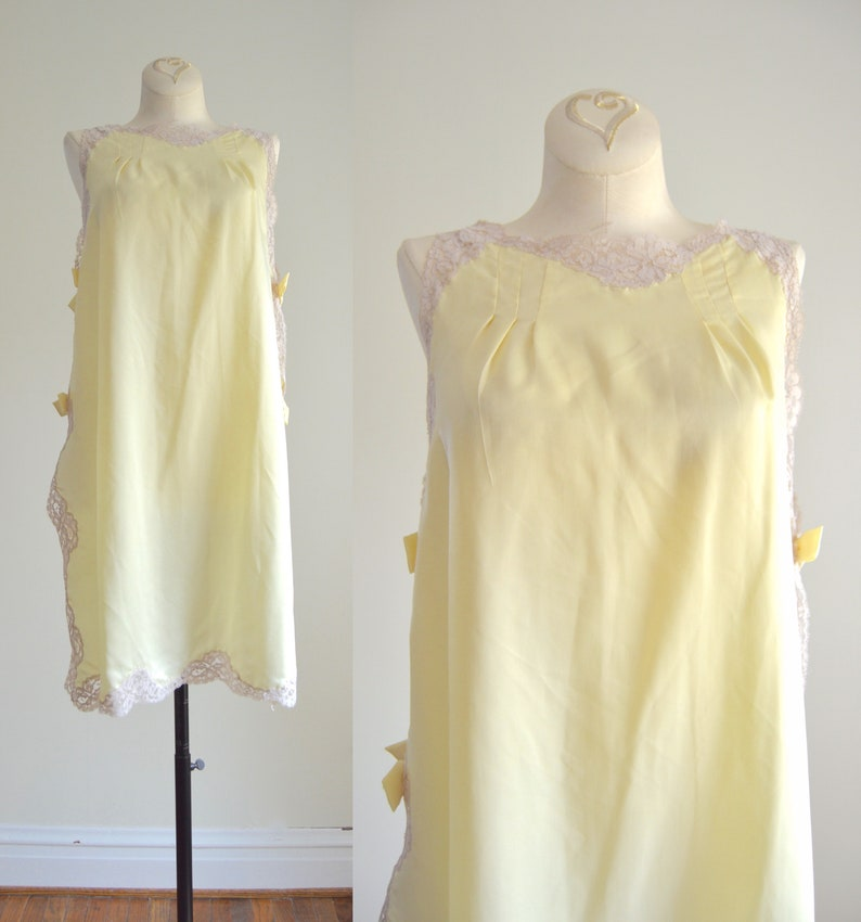 60s Yellow Nightie XS  1960s Pale Yellow Satin Bows Nightie image 0