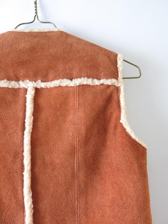 Vintage 70s Suede Vest M   1970s Brown Suede Cowh… - image 10