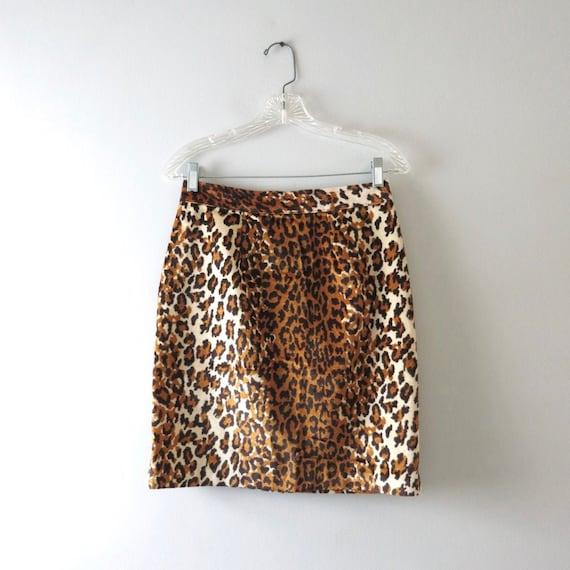 Vintage 1980s Leopard Print Mini Skirt M