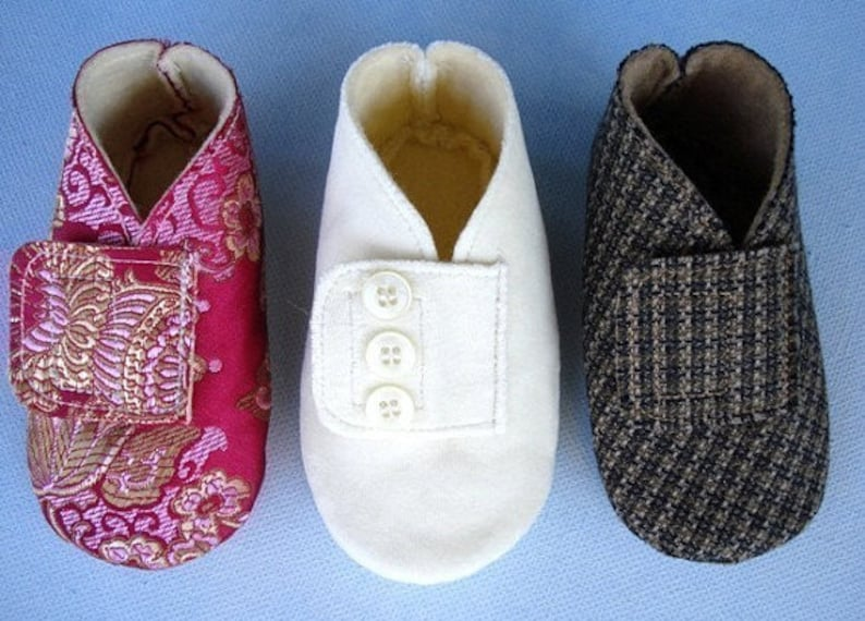 f93e094d29e3b Baby Booties Sewing Pattern PDF e Pattern Vintage Style Fabric Baby Shoe  epattern DIY - Baby Bootie