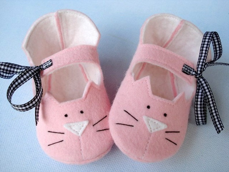 e576609a581da SALE - PDF ePATTERN - Precious Kitty Baby Booties - Shoes Sewing Pattern
