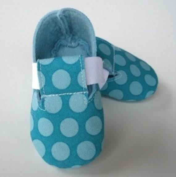 bf3ccfaae7bfe Precious Monkey - Plain Baby Booties - Shoes - PDF ePattern Sewing - Baby  Shoe Fabric e pattern DIY