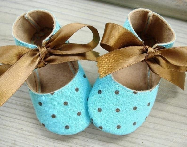 7b0408b43f360 Baby Shoes Booties Sewing Pattern - Basic Shoes - Ten Sizes - Babies -  Preemies - Dolls - PDF e-Pattern