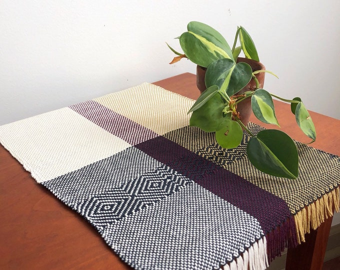 Woven Tiny Table Topper