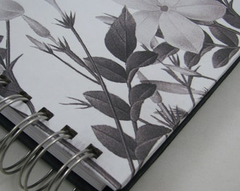 Quilter's Journal - Memory Book - Quilt Notebook - Quilt Journal - Quilt Notes - Quilt Story - Quilting Journal - Quilter's Gift -  Floral