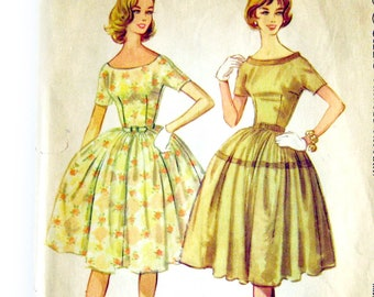 Vintage Dress Pattern / McCall's 5366 / Full Skirt / Scoop Neck V Back / Lucy Dress / Rockabilly Style / Vintage Sewing Pattern / Size 11