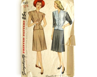 1940s Vintage Sewing Pattern, Button Front Two-Piece Dress with Scalloped Top, Cap Sleeves, War Era Dress, Simplicity 1545 / Size 20 Volup