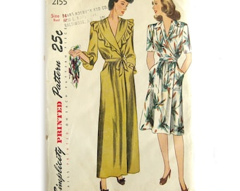 1940s Ladies' and Misses' Housecoat & Wrap Dress, 1940s Robe Pattern, Vintage Sewing Pattern, Simplicity 4498 / Size 14 Bust 32 UNCUT FF