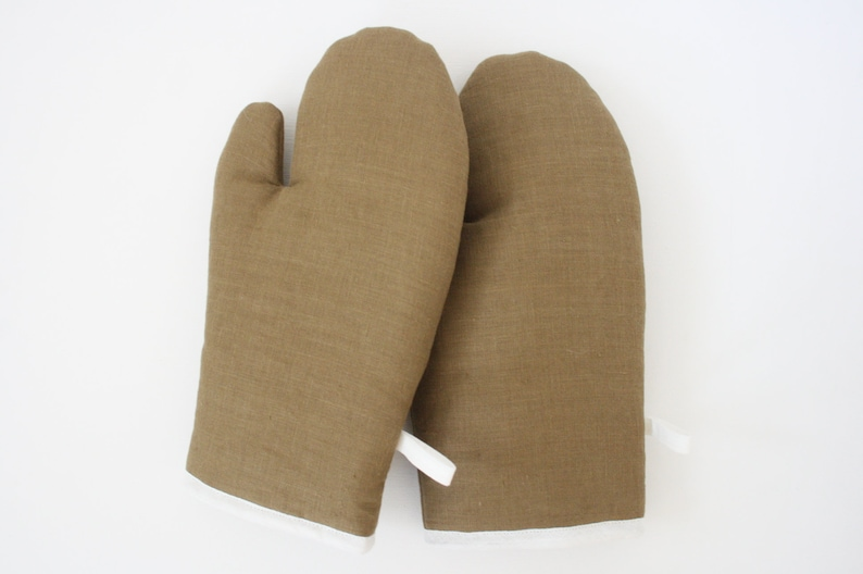 Linen oven gloves clay image 0