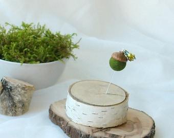 Acorn pin, Felt moss green acorn brooch, boutonniere, natural real acorn cap, groom pin, autumn woodland wedding accessory