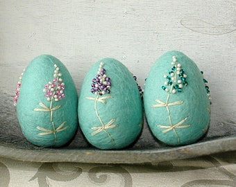Easter eggs, Hand Felted Easter decoration, Pastel Mint Easter eggs, Embroidered Eggs, Photoshoot Decoration, Baby Shower Gift, Easter Table