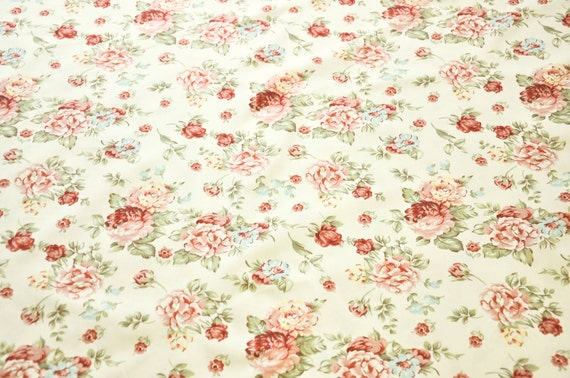 BTY x 45 wide Shabby Cabbage Rose 100/% Cotton Fabric country prints, retro, vintage