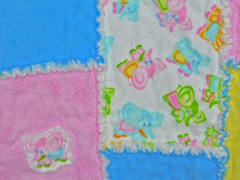 Child/'s Rag Quilt in Pastels with Elephants