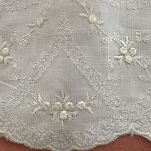 Embroidered Trim Baskets of Flowers White Italian Cotton Scallop Edge For Pillow Case Hems Shelf Towel Trim Pillows