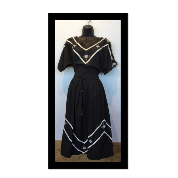 Vintage 1950s cotton patio day dress