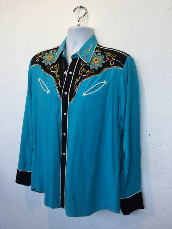 1950s vintage two tone embroidered western shirt. - image 3
