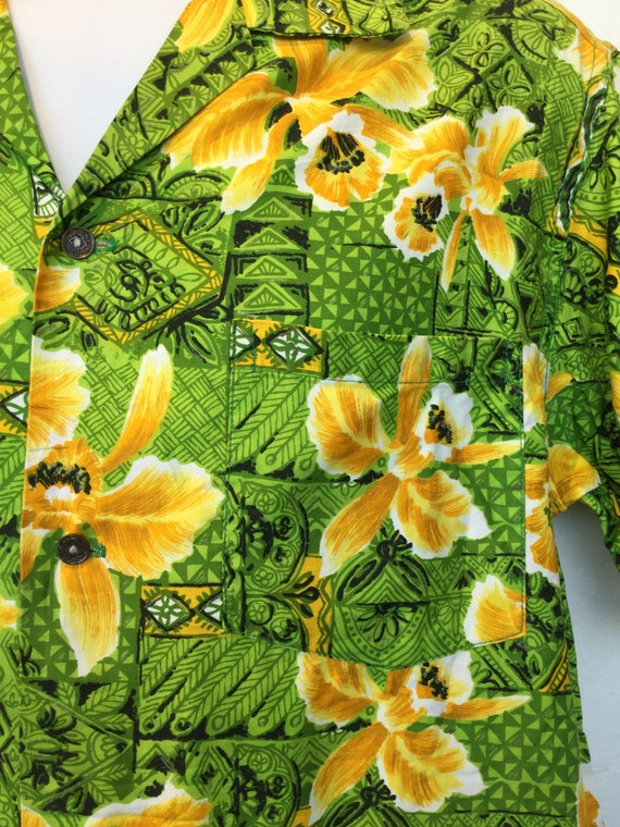 Vintage 1960s cotton Hawaiian shirt. - image 4