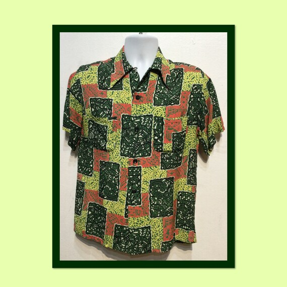 Vintage 1940s rayon abstract Hawaiian shirt. Size