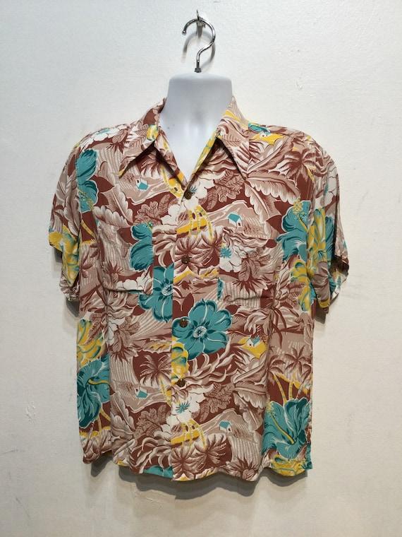 Vintage 1940s rayon Hawaiian shirt. Size medium - image 7
