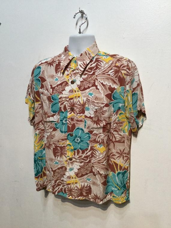 Vintage 1940s rayon Hawaiian shirt. Size medium - image 9