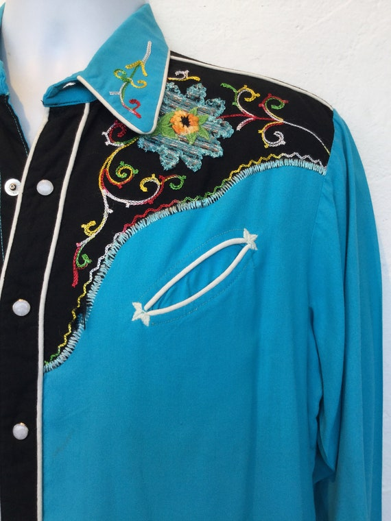 1950s vintage two tone embroidered western shirt. - image 4