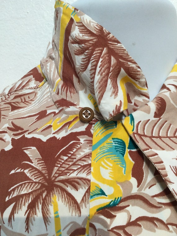 Vintage 1940s rayon Hawaiian shirt. Size medium - image 8