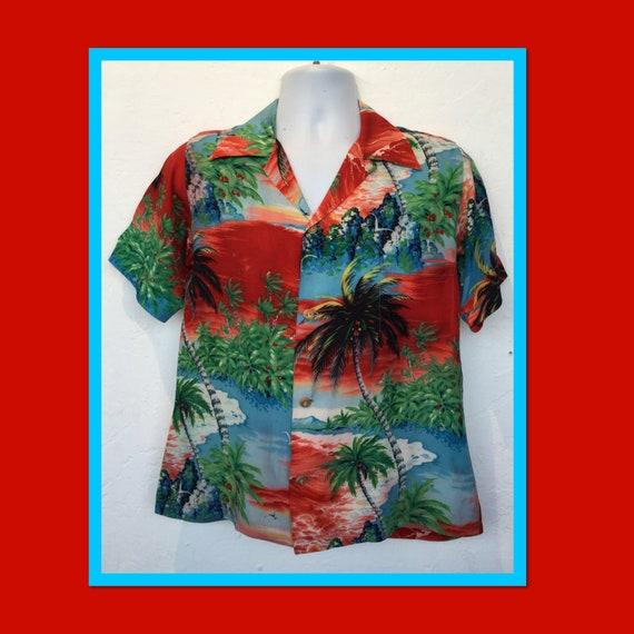 Vintage 1940s/50s rayon Hawaiian shirt