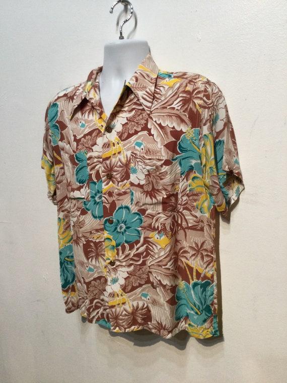 Vintage 1940s rayon Hawaiian shirt. Size medium - image 6
