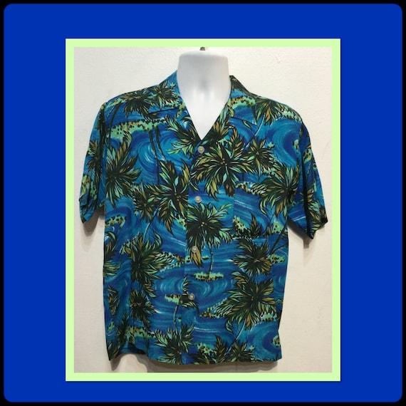 Vintage 1950s/60s rayon Hawaiian shirt