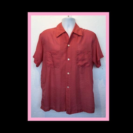 Vintage 1950s pink seersucker men's shirt. Size me