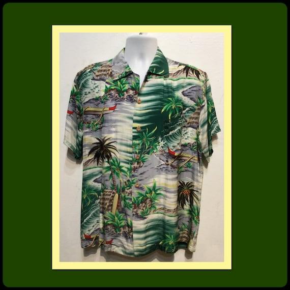 Vintage 1950s rayon Hawaiian shirt. Size large