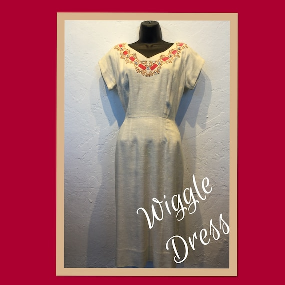 Vintage 1950s wiggle dress with pockets !!!