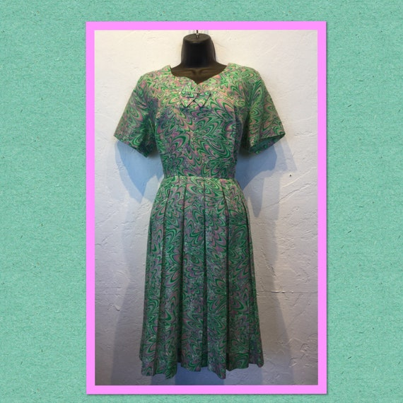 Vintage 1950s printed day dress