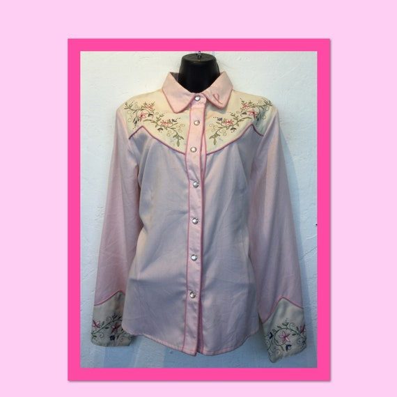 Vintage womens pink western shirt by Scully. Size