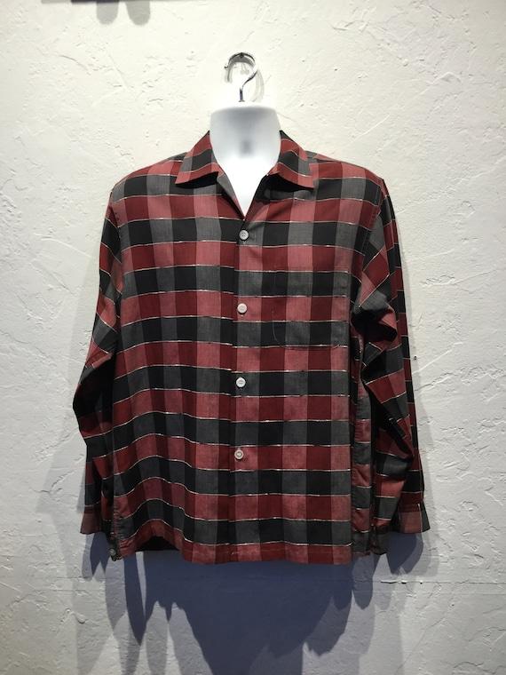 Vintage 1950s box Fleck rayon shirt. Size medium