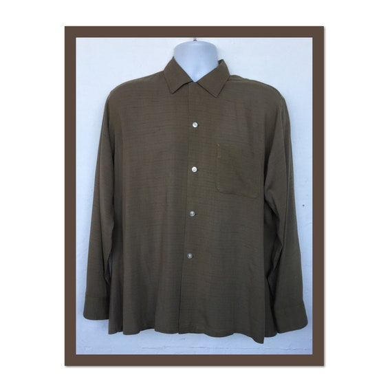 Vintage 1950s fleck rayon shirt. Size large