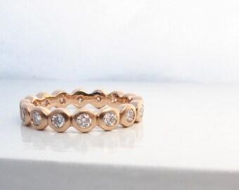 Anneau de diamant en or rose de l'éternité, l'éternité bague avec lunette sertie diamants, lunette l'éternité, bague éternité alternative, or anneau d'empilage