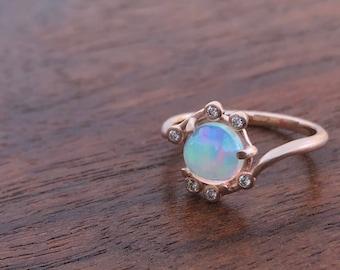 Opale et bague en or rose, opale et diamant bague délicate bague en diamant et Opale, bague opale antique moderne