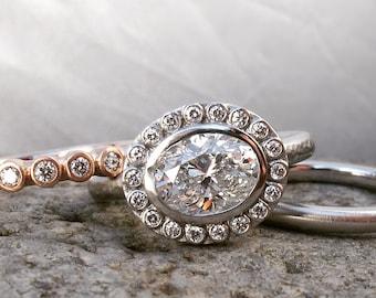 Platine et diamant halo bague de fiançailles, halo diamant lunette micro, east west ovale bague de fiançailles, bague de lunette halo diamant