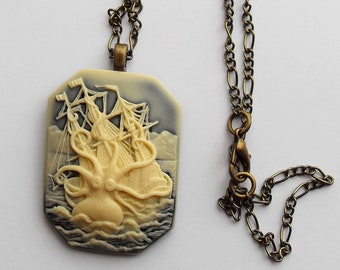 Square Lovecraft cthulhu cameo gothic necklace. Octopus. Necronomicon. Steampunk. Pirate. Creepy cute. Horror. Fantasy. Tentacle. Kraken.
