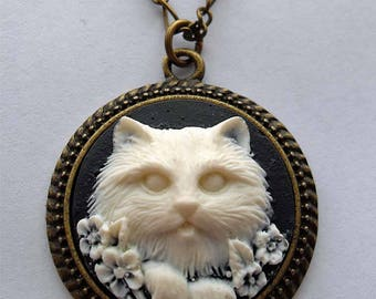 Round cat cameo necklace. Kitty pendant necklace. Cat jewelry. Crazy cat lady. Black necklace. Cat jewellery. Cat lover gift.
