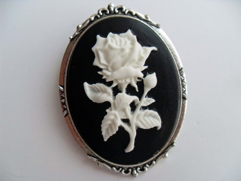 314631b9638 Prickly white rose & silver cameo brooch. Gothic lolita   Etsy