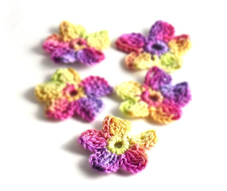 Crochet Applique Mini Flower Motif Flower Embellishment Pink image 0
