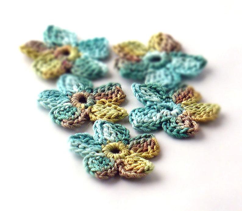 Crochet Applique Mini Flower Motif Flower Embellishment Sage image 0