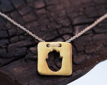 Hollow Hamsa Necklace